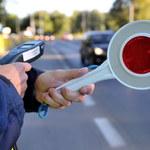 Łódzkie: Pijany 15-latek uciekał samochodem babci przed policją