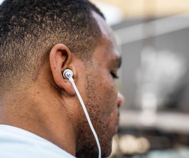 Logitech G prezentuje pierwsze słuchawki douszne G333