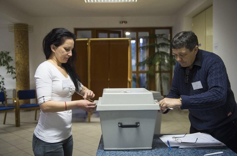 Lokal wyborczy w miasteczku Nyíregyháza /PAP/EPA
