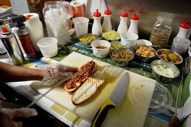 Lokale gastronomiczne są zozchwytywane /AFP