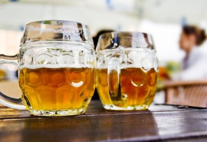 Lokalny browa znalazł sposób na szybką sprzedaż piwa /© Panthermedia