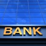 Lokaty bankowe wciąż nieopłacalne. Banki będą musiały sobie to odbić. Wzrosną opłaty i prowizje