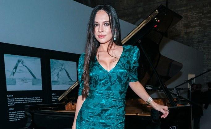 Lola Astanova wie, jak przyciągnąć uwagę. Ma wielki talent muzyczny, ale jest też przepiękną kobietą / David M. Benett / Contributor /Getty Images