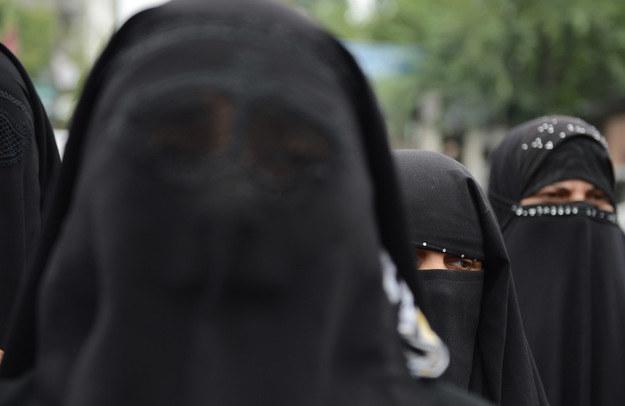 Lombardia zakazuje wstępu do urzędów w nikabie /AFP