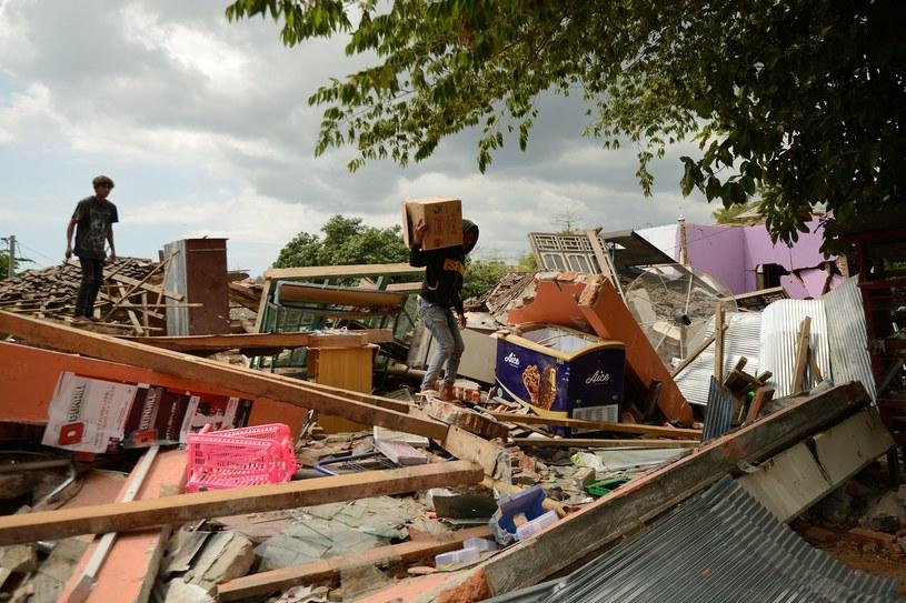 Lombok po czwartkowym trzęsieniu ziemi /SONNY TUMBELAKA /AFP
