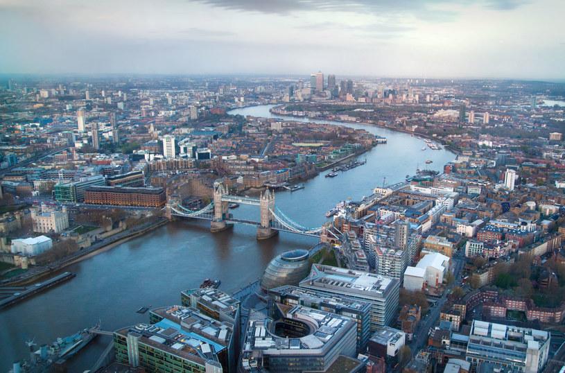 Londyn i przepływająca przez miasto Tamiza; zdj. ilustracyjne /123RF/PICSEL