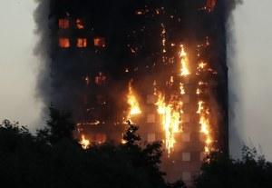 Londyn: Potężny pożar wieżowca Grenfell Tower