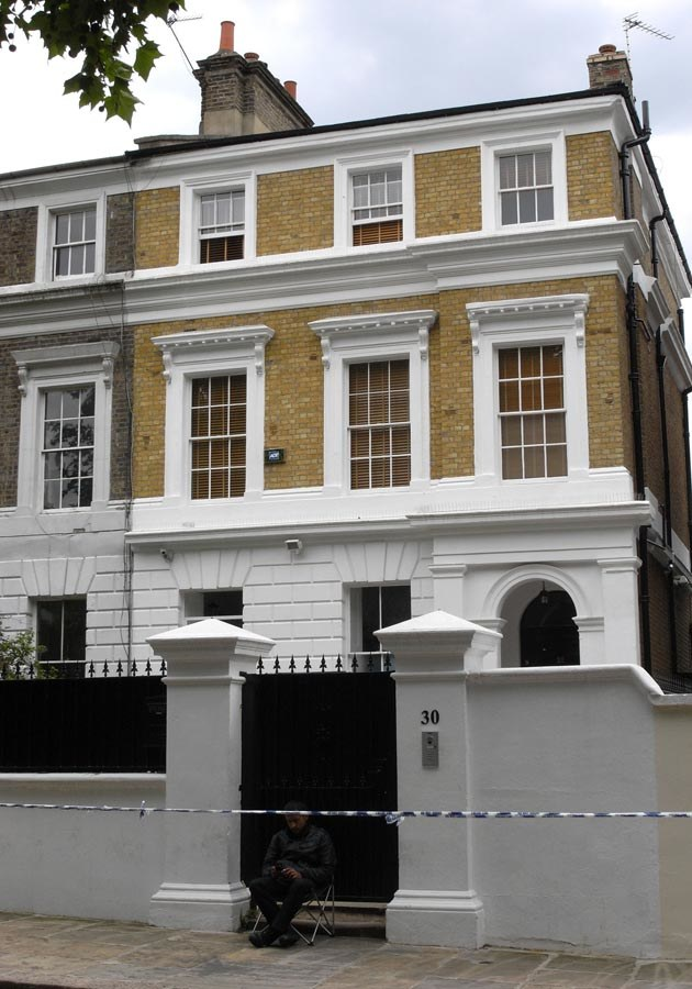 Londyński dom Amy Winehouse  /Splashnews