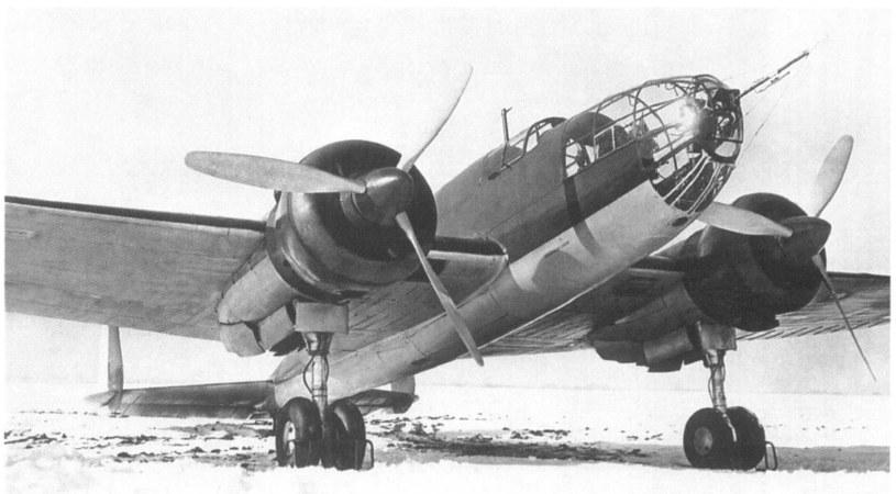 """""""Łoś"""" w jednostce bombowej w zimie 1938/1939 /INTERIA.PL/materiały prasowe"""