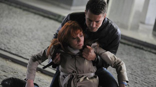 Los zechce, że Olszewska osłoni przyjaciela własnym ciałem i sama zostanie ciężko ranna. /Agencja W. Impact
