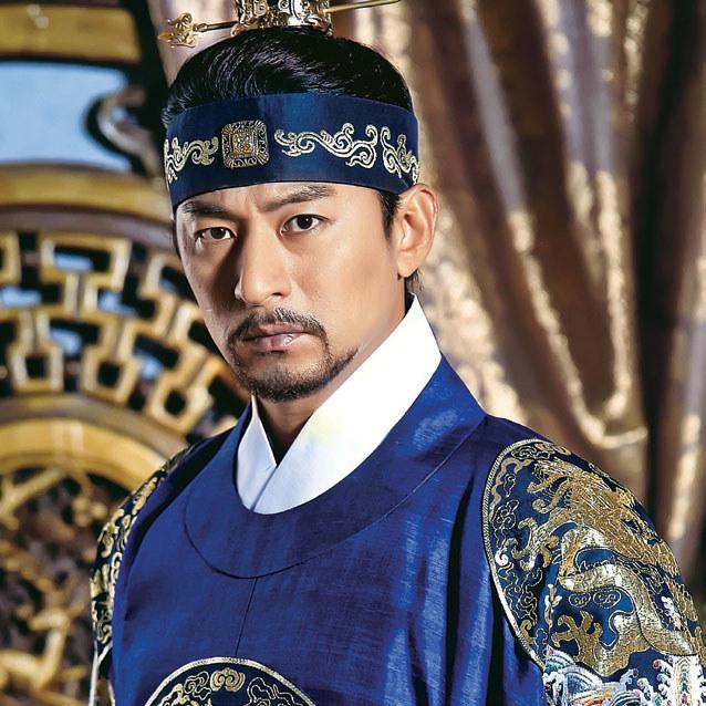 Los zetknął drogi księcia Wang Yu (Joo Jin Moo) i Ki już w dzieciństwie /Tele Tydzień