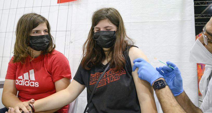 Loteria szczepionkowa miała zachęcać do szczepienia /THOMAS KIENZLE /AFP