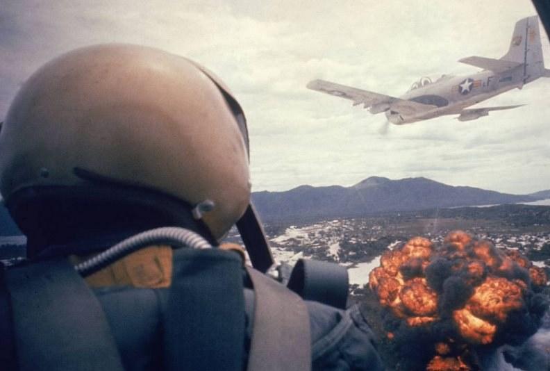 Lotnictwo amerykańskie zrzuciło na Wietnam 388 000 ton napalmu /Getty Images/Flash Press Media