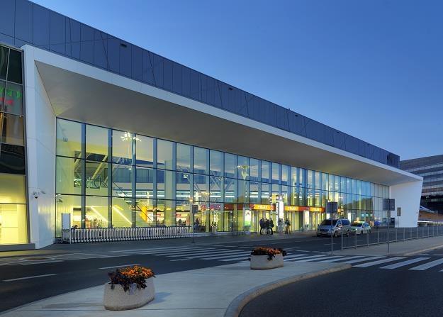 Lotnisko Chopina. Terminal pasażerski. Fot. Wojciech Kryński /FORUM
