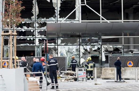 Lotnisko po zamachach /PAP/EPA