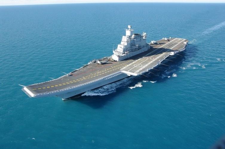 """Lotniskowiec INS """"Vikramaditya"""" (ex. """"Admirał Gorszkow"""") jest gotowy do służby. fot. Siewmasz /materiały prasowe"""