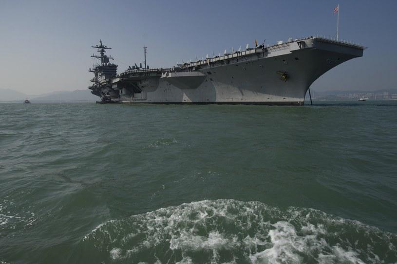 Lotniskowiec USS Carl Vinson /AARON TAM /AFP