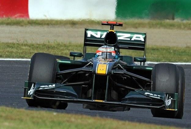 Lotus otrzyma nowe silniki i skrzynie biegów /AFP