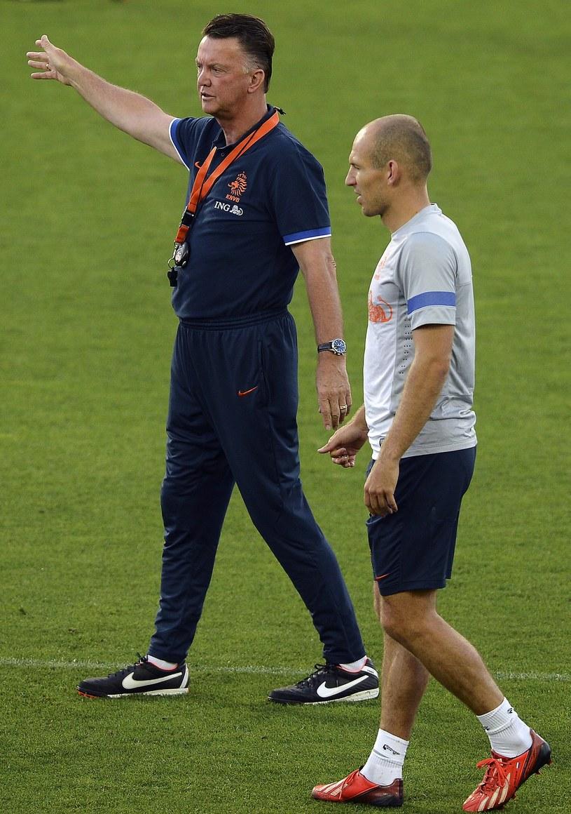 Louis van Gaal i Arjen Robben podczas treningu reprezentacji Holandii /AFP