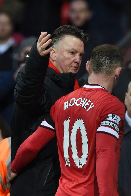 Louis van Gaal i Wayne Rooney /AFP