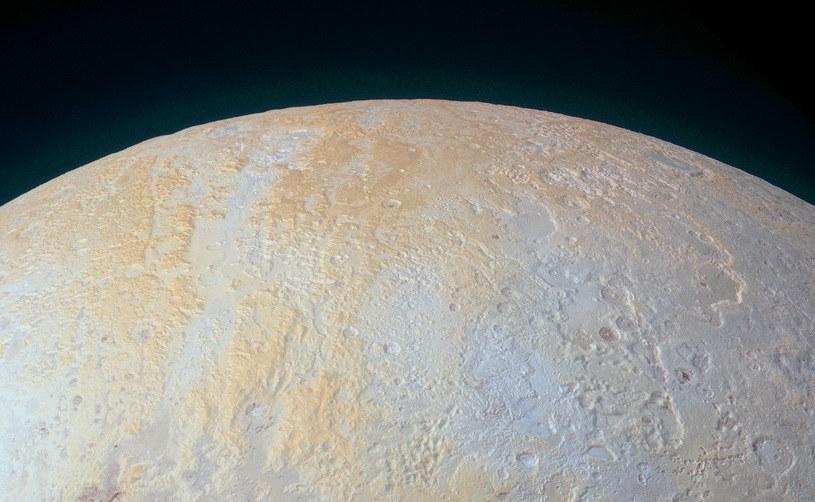 Lowell Regio w rejonie bieguna północnego Plutona /NASA