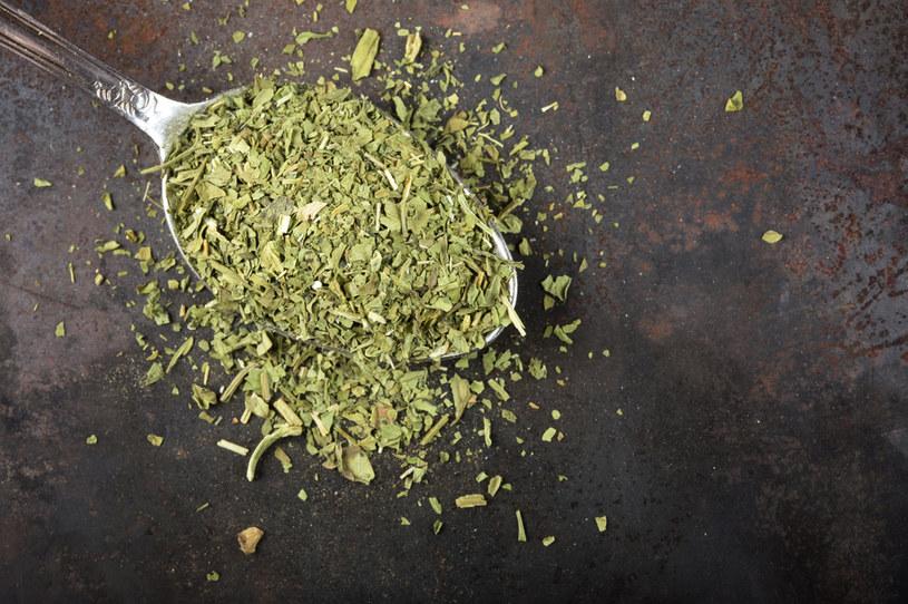 Lubczyk to naturalny i zdrowy wzmacniacz smaku /123RF/PICSEL