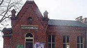 Lubelszczyzna: Niszczeje 100-letnia stacja kolejowa