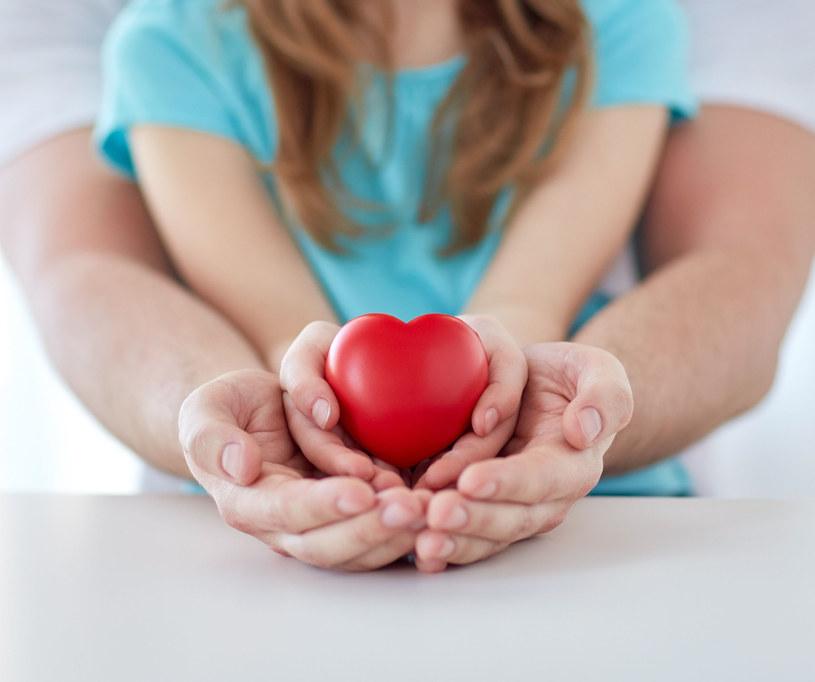 Lubimy pomagać i uczymy tego dzieci /123RF/PICSEL