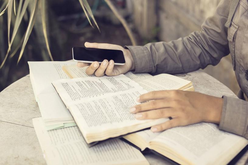 Lubisz czytać? Świetnie, łatwiej znajdziesz wymarzoną pracę! /123RF/PICSEL