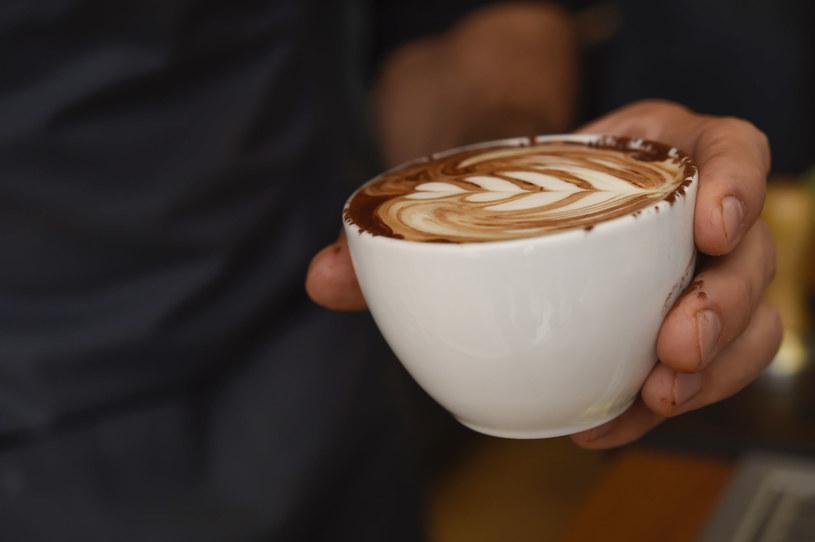 Lubisz kawę? To naprawdę się nią zainteresuj! /123RF/PICSEL