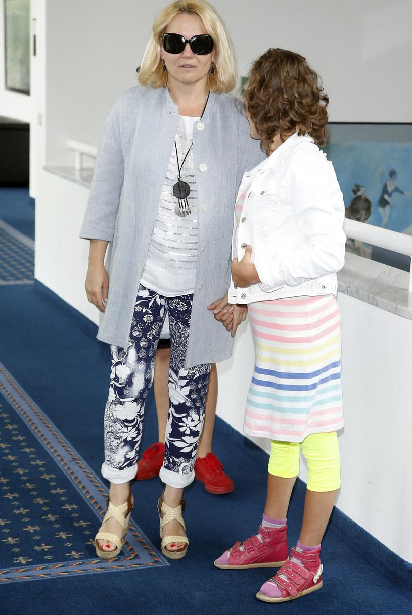 Lucyna Malec z córką Zosią /Podlewski /AKPA