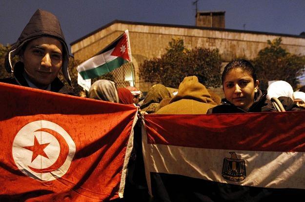 Ludność Tunezji i Egiptu nie pozostała posłuszna, cicha i wyszła na ulice /AFP