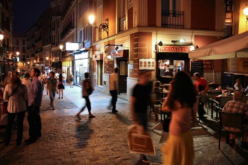 Ludzie na ulichach Madrytu, zdj. ilustracyjne /123RF/PICSEL