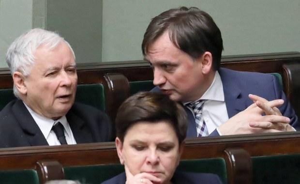 Ludzie Zbigniewa Ziobry podsycali konflikt na linii: PiS - otoczenie Gowina. Nieoficjalne ustalenia RMF FM