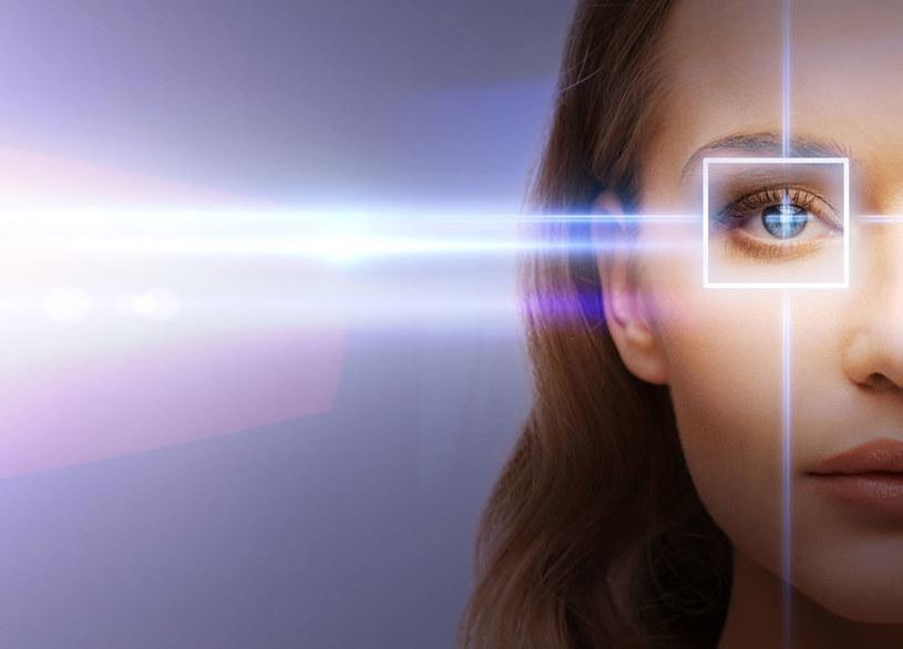 Ludzkie oko potrafi zarejestrować pojedyncze fotony /123RF/PICSEL