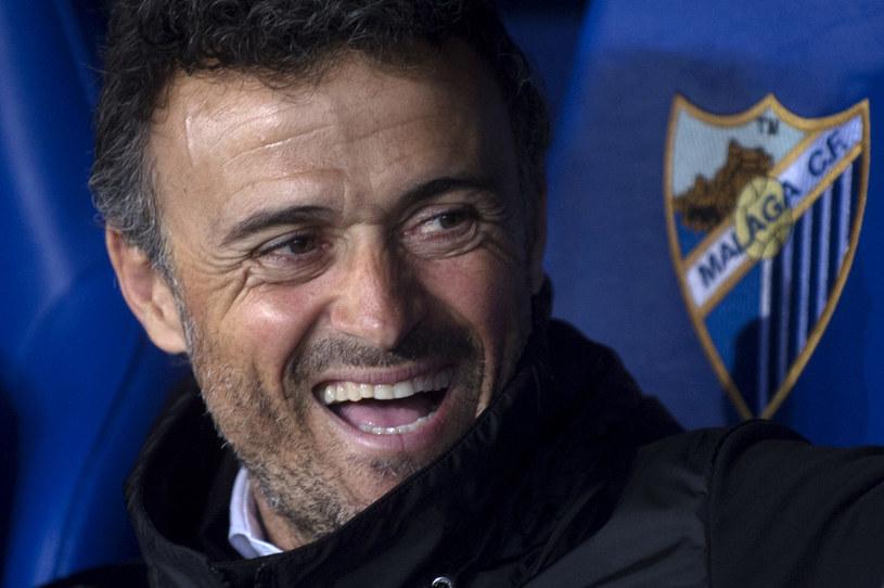 Luis Enrique przed meczem na Estadio La Rosaleda tryskał humorem /AFP