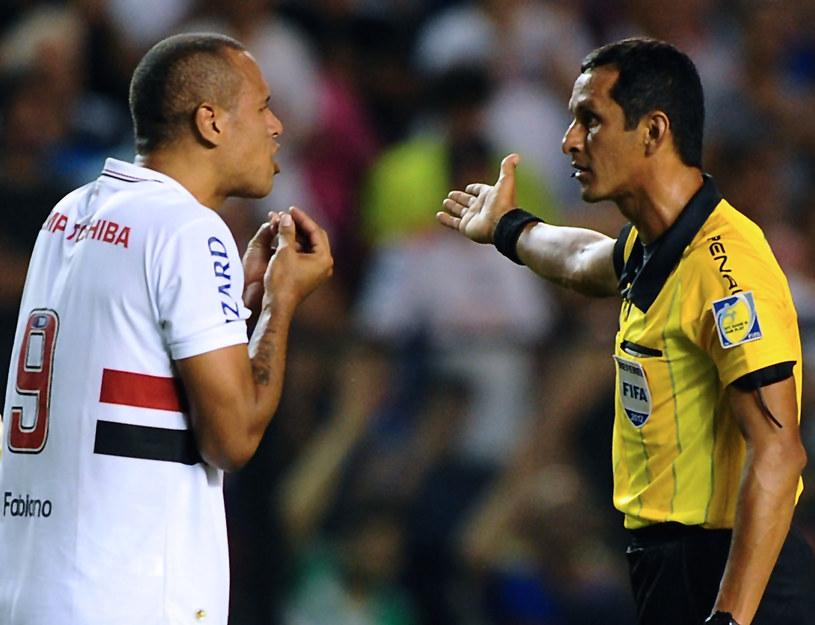 Luis Fabiano (Sao Paulo FC) dostał czerwoną kartkę /AFP