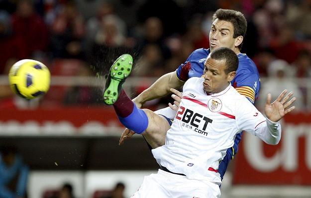 Luis Fabiano strzelił trzy gole w meczu z Levante /AFP