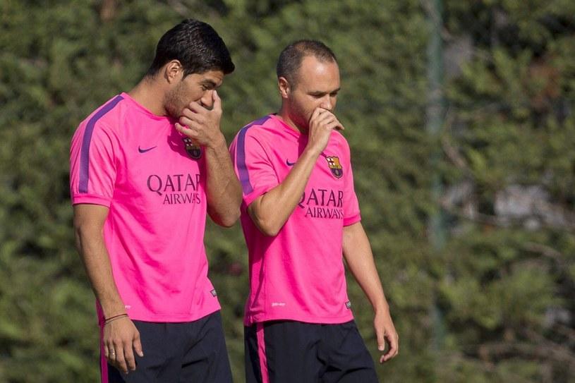 Luis Suarez i Andres Iniesta podczas piątkowego treningu /PAP/EPA