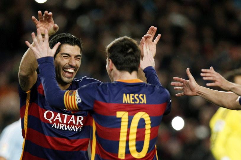 Luis Suarez i Lionel Messi zakoczyli wykonaniem rzutu karnego /PAP/EPA
