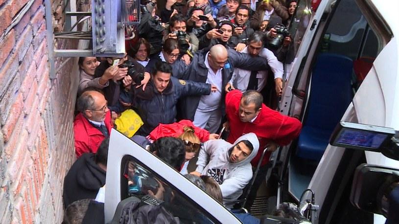 Luis Suarez opuszcza szpital w Montevideo /AFP