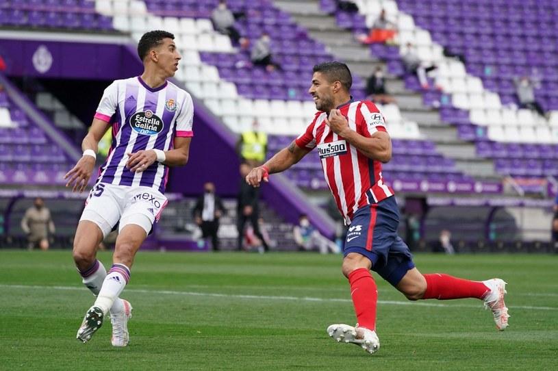 Luis Suarez (z prawej) celebruje zwycięskiego gola /AFP