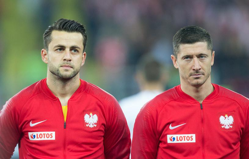 Łukasz Fabiański i Robert Lewandowski /Foto Olimpik/NurPhoto /Getty Images