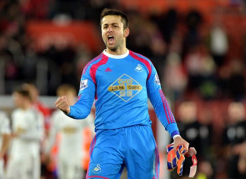 Łukasz Fabiański przez cały sezon był pewnym punktem Swansea /AFP
