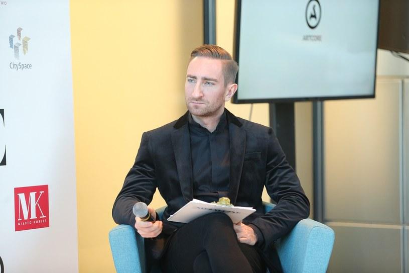 Łukasz Jakóbiak przyznał, że w przeszłości miał problemy emocjonalne i stany depresyjne /VIPHOTO /East News