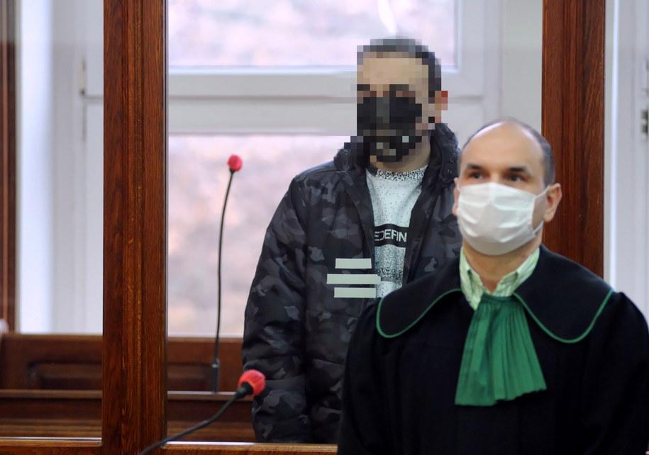 Łukasz K. podczas odczytywania wyroku /Marcin Bielecki   /PAP
