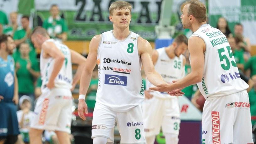 Łukasz Koszarek i Filip Matczak ze Stelmetu /Newspix