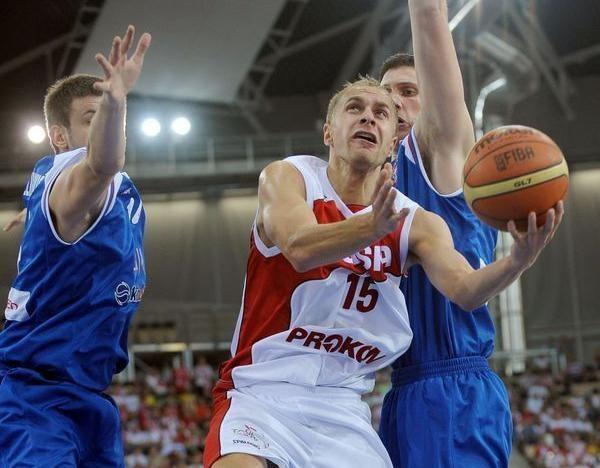 Łukasz Koszarek /- /AFP