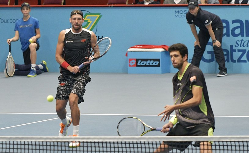 Łukasz Kubot (z lewej) i brazylijski tenisista Marcelo Melo /AFP