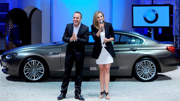 Łukasz Nowicki i Małgorzata Socha prezentują limuzynę /- /Agencja W. Impact